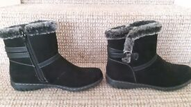 Comfortable Warm Boots..size 6