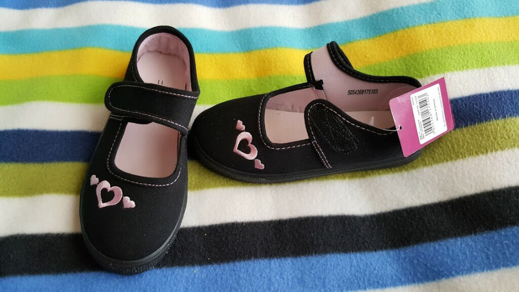SHOES FOR GIRLS, NEW, SIZE 11in Coventry, West MidlandsGumtree - SHOES FOR GIRLS, NEW, SIZE 11 , colour black , Contact sms please