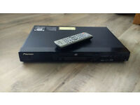 Pioneer DV-565A Universal DVD Player (DVD, CD, DVD-A, SACD, no BlueRay) with Remote