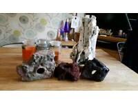 Fish tank rocks/ornaments