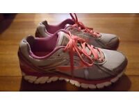 Brooks Defyance 9 trainers - size 7