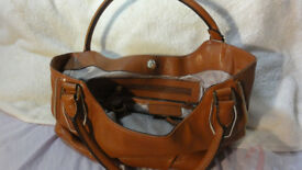 Genuine Michael Kors MK Tan Leather Handbag Hand Bag