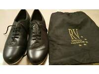 Ladies size 6 Black leather Tap Shoes