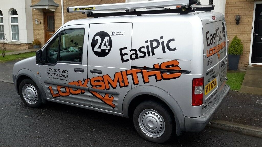 Easipic pro locksmiths mob 07594349126.