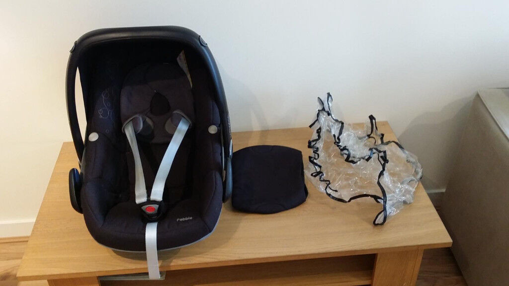 **Reduced** Maxi Cosi Pebble with Raining Cover