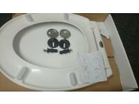 "18""White MDF Hard Toilet Seat With Solid Zinc Hinges Bathroom Accessories"