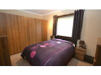 a nice double bed room at city centre