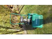 Qualcast Classic 35s self propelled petrol mower