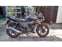 HONDA CBF 125 - Black - with Full service history and 1st MOT not due until May 2017