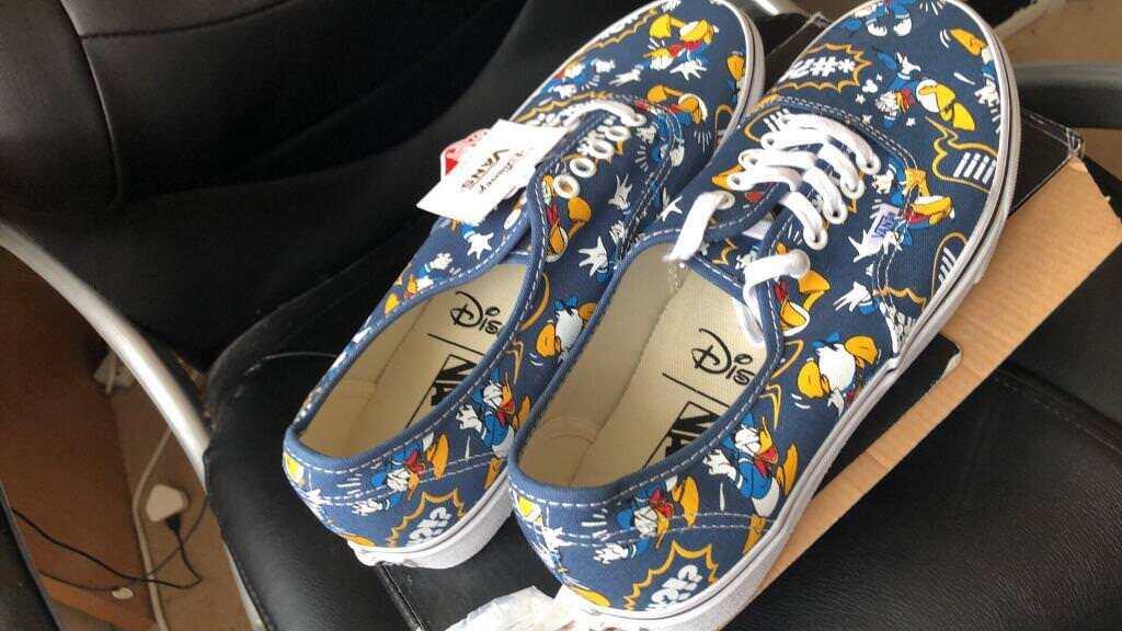 3bb7e850a8 BRAND NEW Disney Donald Duck Vans Men Size 8