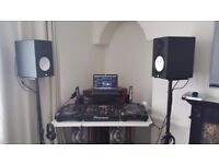 CDJ 2000 NEXUS x2 DJM 2000 NEXUS, YAMAHA HS8 + STANDS AND ALL THE CABLES