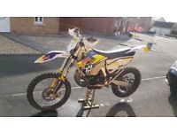 Husqvarna te 250 enduro 2015 82hrs from new , new discs bearings clutch plates and top end