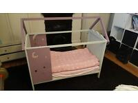 Small toddler's bed