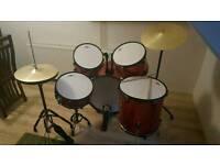 Gear4Music Drum Set