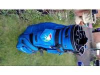 Arnold Palmer blue golf bag in great condition +20 golf balls