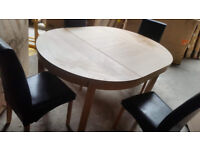 Collection Clifton Extendable Table & 4 Chairs - Black (some scratches)