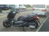Yamaha 250 xmax scooter