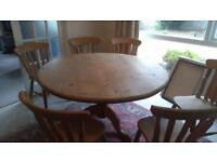 Round Pine Table with 6 Chairs