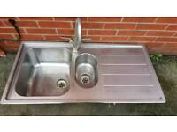 Kichen Sink with tab in used condition!size on pic!can deliver or post!