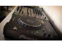 2x pioneer cdj 1000 mk3. & Behringer DJ X 700 mixer. including all cables