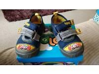 Boys size 6 podlers fire engine blue shoes