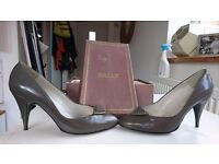 Vintage Bally Shoes, 1980s grey high heels with triangle embellishment, size 5 in original box.