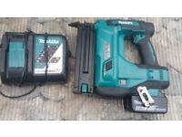 Makita DBN500 18v LXT Brad Nail Gun