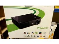 Acer 3D projector, boxed with 2yrs warranty. 30hrs used out of 7000hrs