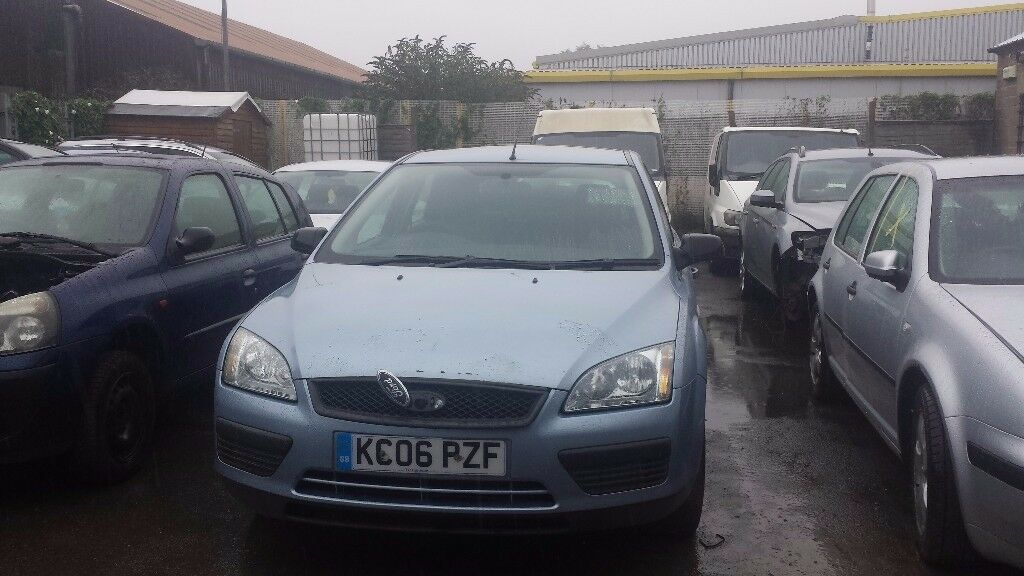 FOCUS PASSENGER WING 2006 SILVER