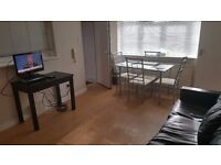 ***Well presented 2 double bedroom ground floor flat to rent in Pinner***