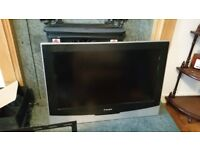"""32"""" TV Relisys, Great condition with stand"""