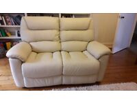 Lazyboy Manhatten 2 seater power reclining sofa in white ivory leather. Excellent condition