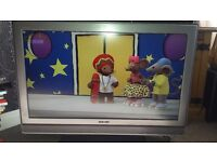 Sony 32 inch lcd tv built in freeview