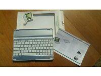 Mobile Bluetooth keyboard for ipad2