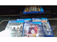 Ps4 console few weeks old comes with joypad and five games