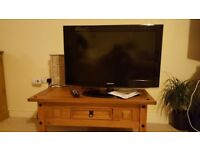 32inch Samsung TV, excellent condition.