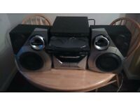 Hi fi Philips M37 with speakers, 3 mp3 cd charger and double cassette player