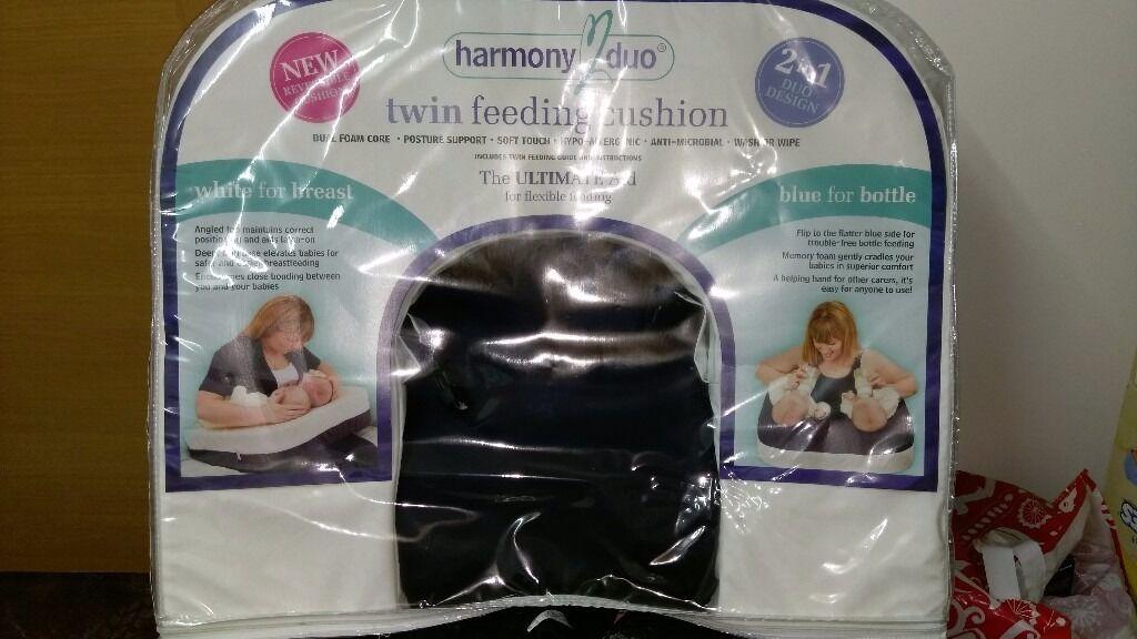 Harmony duo twin feeding cushion.