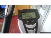 Elliptical trainer with electronic disply, must be able to collect