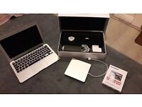 macbook air 11 inch boxed with extras mint perfect christmas preasent