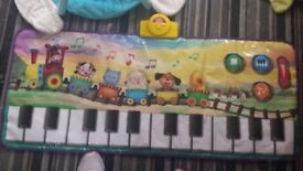 Baby items bouncer piano and gym