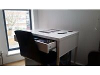 White Desk w/ Drawer in extremely good condition