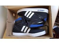 Adidas Court Trainers Kids Size 5.5 New