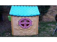 Plastic garden playhouse in good condition