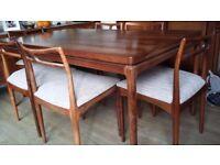 Beautiful Vintage Mid Century Danish Design Rosewood Dining Table