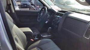 2010 Mazda Tribute GT | V6 | LEATHER | SUNROOF | LOCAL TRADE | Cambridge Kitchener Area image 4