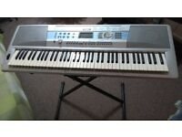 Yamaha keyboard Portable Grand DGX-200