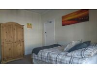 ★ Double Room In Mutley. No Deposit. Couples Welcome! ★