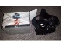 Virtual reality headset for mobile phones