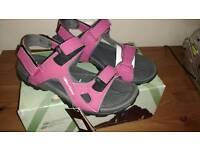 Brand new walking sandals size 4